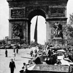 15-Paris 26 aout 44- Arc de Triomphe (Copier)