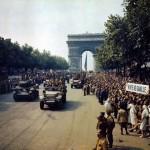 23-Descente des Champs Elysées-26 août 44 (Copier)