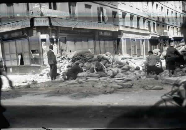 600_005_Regourd-barricades25aout